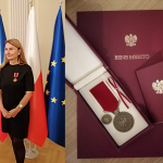 "doc. PhDr. Ivana Dobrotová, Ph.D. z medalem ""Bene Merito"""
